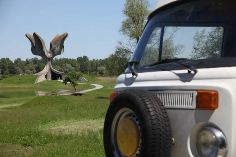 Monument de Jasenovace.