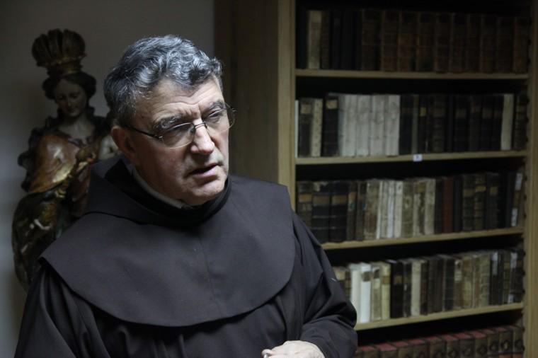 Trois Franciscains s'occupent du monastère de Vukovar.