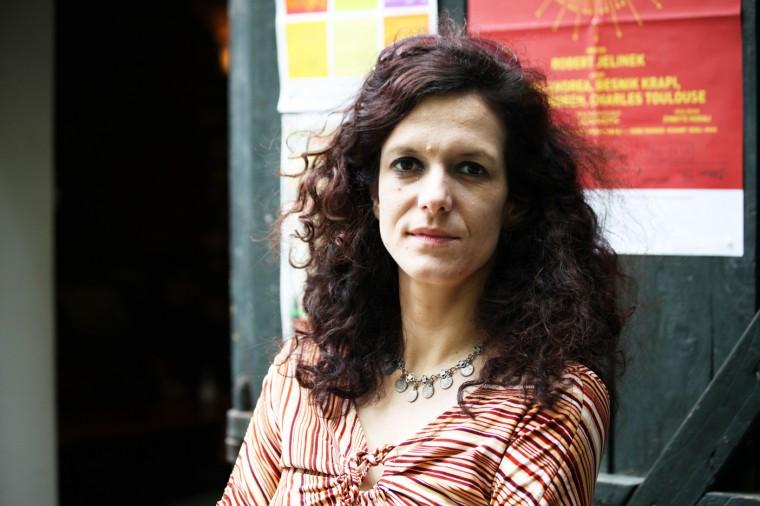 Ana Isakovic est coordinatrice de programmation au Centre de décontamination culturelle de Belgrade.