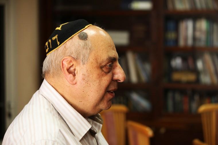 Robert Djerassi préside la communauté juive de Sofia.