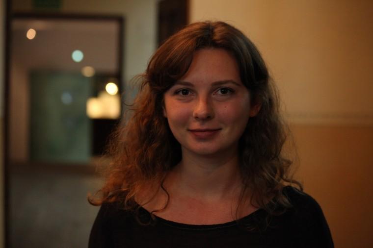 Anya a passé un an à Oswiecim et rentre chez elle, en plein centre de Kiev, place Maïdan où se trouve l'appartement familial.